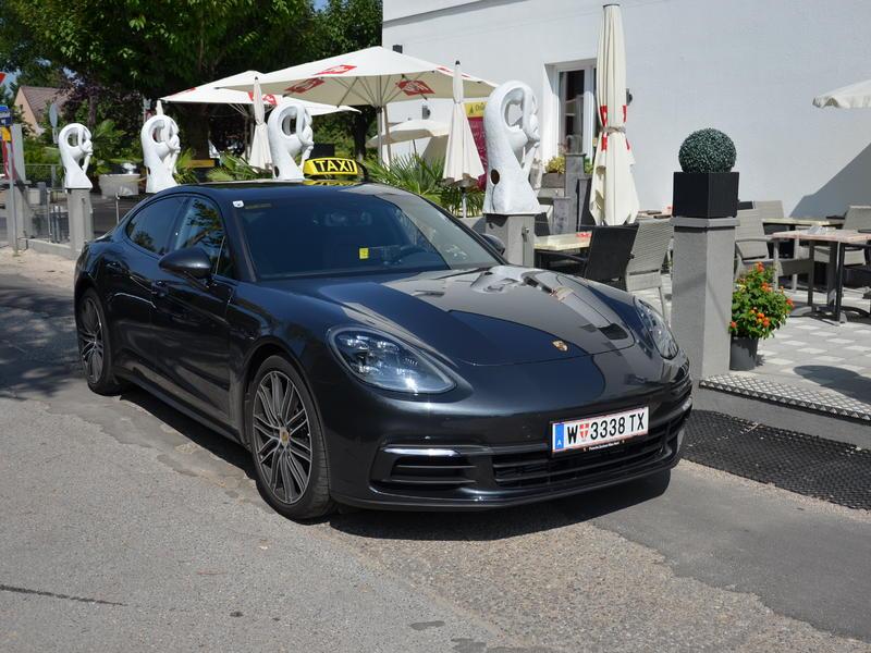 Porsche Panamera Taxi